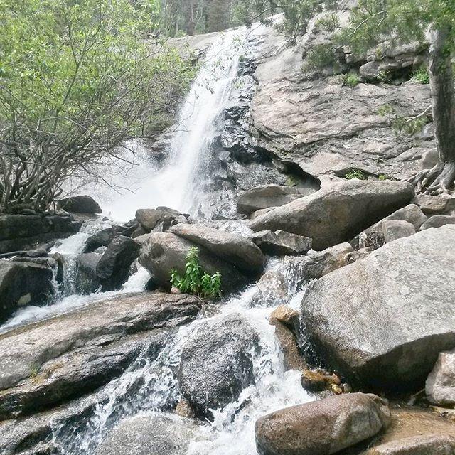 hiking-bridal-veils-falls