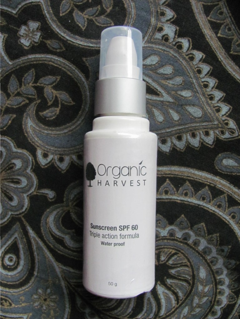 the-idea-bucket-blog-the-autor-portal-orhanic-harvest-sunscreen-spf-60-review-3