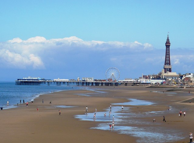 budget travel in blackpool 1