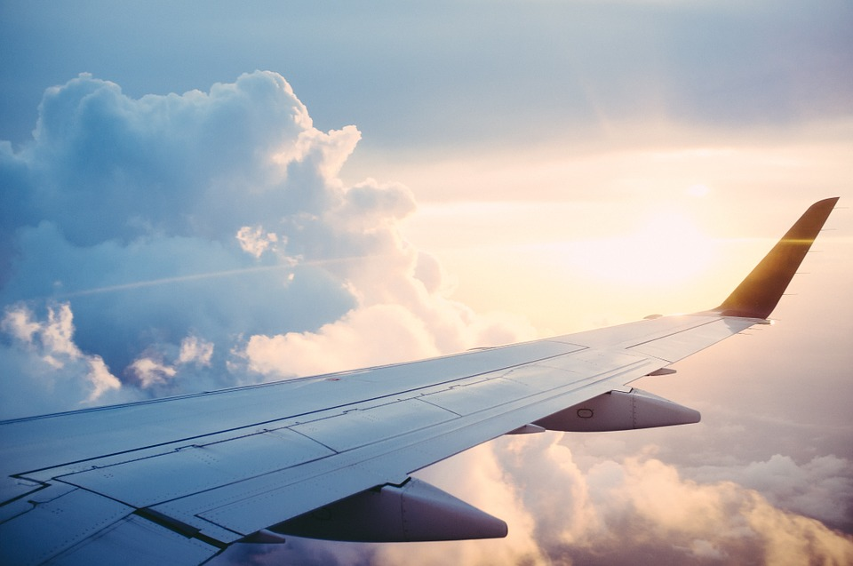 plane-841441_960_720